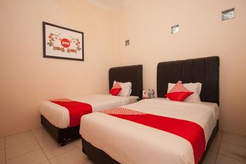 OYO 1031 ZK Home Stay Medan - Standard Twin Room Regular Plan