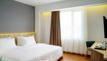 Santika Premiere Ambon Ambon - Deluxe Room King Special Weekend Offer