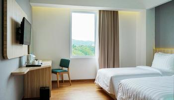 Santika Premiere Ambon Ambon - Deluxe Room Twin Special Weekend Offer