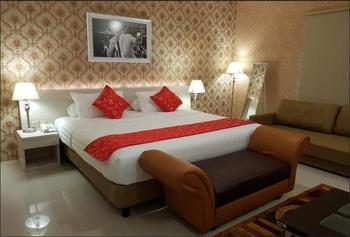 Fortune Front One Hotel Kendari Kendari - Suite King Room Only Minimum Stay 2 Nights
