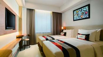 Yellow Star Ambarukmo Hotel Yogyakarta - Simple Style - Room Only Regular Plan