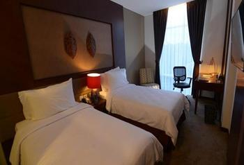 Grand Tjokro Balikpapan - Superior Twin Bed Room Only Regular Plan