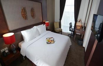 Grand Tjokro Balikpapan - Superior Queen Bed Room Only Regular Plan