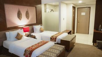 Grand Tjokro Balikpapan Balikpapan - Deluxe Twin Bed Room Only SPECIAL DEAL  33%