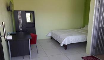 SATRIA HOMESTAY Kupang - Deluxe Room Only Regular Plan