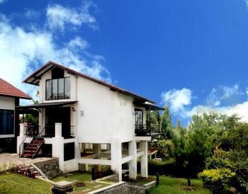Villa Q - 17 Istana Bunga - Lembang Bandung