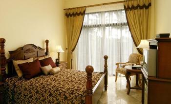 Saraswati Borobudur - Standard Queen Room Only  Regular Plan
