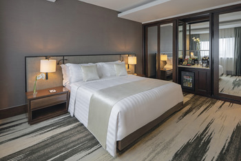 Gran Melia Jakarta - Deluxe Suite Double Breakfast Special Offer Regular Plan