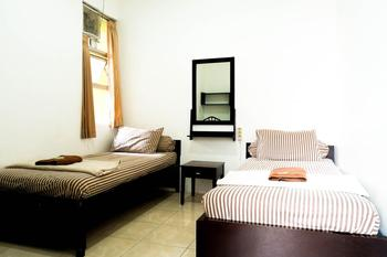 Saidah Guest House Bandung - Superior Twin Room Only Special deal