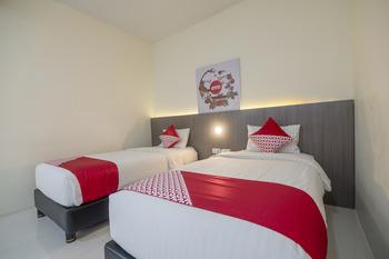 Capital O 1822 Wahana Inn Singkawang - Deluxe Twin Room Regular Plan