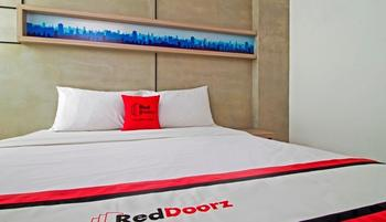 RedDoorz @Setiabudi Eight Jakarta - Reddoorz Room 24 Hours Deal