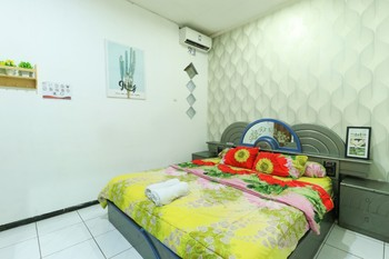 Atmosfera Homestay Malang - Double Room AC Non Refundable Minimum Stay