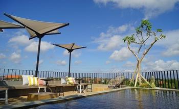 Borough Capsule Hostel Bali