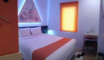 Front One Inn Semarang Semarang - Superior Double Bed Regular Plan