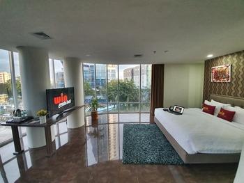 Win Premier Hotel Mangga Besar Jakarta - Junior Suite Room Only Regular Plan