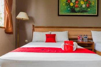 RedDoorz near Institut Teknologi Bandung 2 Bandung - RedDoorz Superior Room 24 Hours Deal