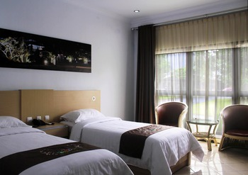 Mandalawangi Hotel Tasikmalaya - Deluxe Room Only HAPPY HOLIDAY FREE 10%