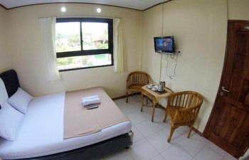 New Sabrina Hotel Bogor - Deluxe Room Regular Plan