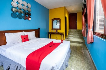 RedDoorz near Istana Bogor Bogor - RedDoorz Room with Breakfast Regular Plan