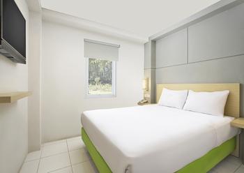 IXO Hotel Bekasi (Previously Odua Bekasi Hotel) Bekasi - Deluxe Double Room Only Regular Plan
