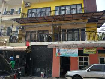 Guest House 647 Jakarta - Twin Bed Room Only Regular Plan