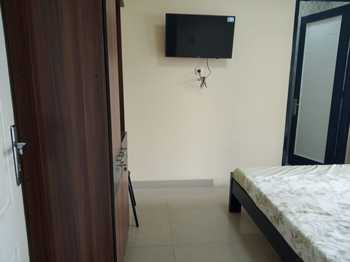 Guest House 647 Jakarta - Single Room Only Regular Plan