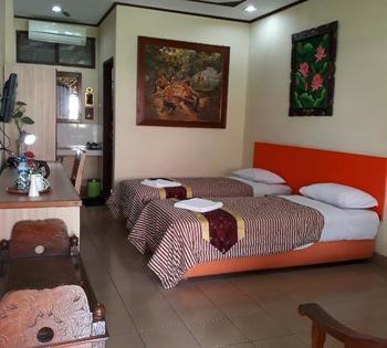 Taman Teratai Hotel Puncak - Deluxe AC Garden View Regular Plan