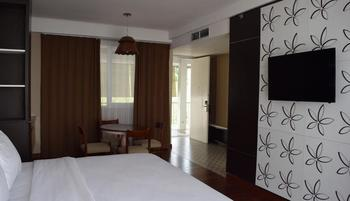 Amartahills Hotel and Resort Batu Malang - Junior Suite Regular Plan