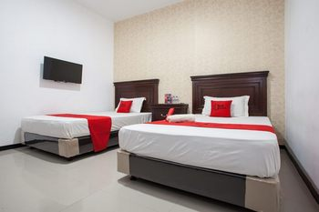 RedDoorz near Taman Krida Budaya Malang Malang - RedDoorz Twin Room with Breakfast Regular Plan