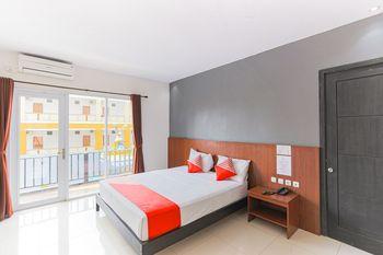 Capital O 1246 Hotel Grand Pacific Pangandaran - Deluxe Double Room Regular Plan