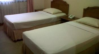 Armyn Luxury Guest House Malang - Kamar Superior A Regular Plan