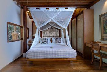 Tandjung Sari Hotel Bali - Two Story Bungalow LAST MINUTE