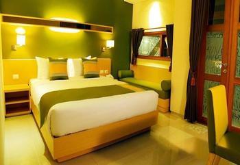 Tibera Hotel Taman Cibeunying Bandung - Deluxe Room - Without Breakfast Regular Plan