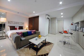 Calm Room Azalea Suites Cikarang by Jayakarta Group Bekasi - Studio Suite Regular Plan