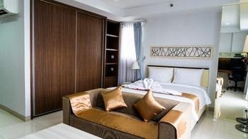 Calm Room Azalea Suites Cikarang by Jayakarta Group Bekasi - Corner Studio Suite Regular Plan
