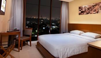 PRIME PARK Hotel Bandung - Deluxe Room Only Regular Plan