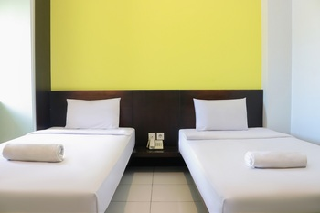 LeGreen Suite Ratulangi Ambon - FLEXI TWIN BED  Regular Plan