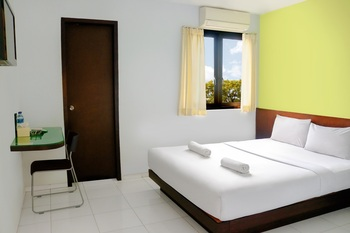 LeGreen Suite Ratulangi Ambon - SMART GREEN DOUBLE BED  Regular Plan