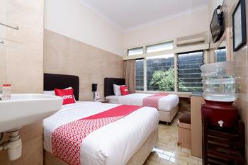 OYO 1843 Cahya Nirwana Banyumas - Standard Twin Room Regular Plan