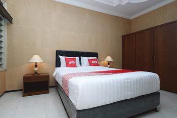 OYO 1843 Cahya Nirwana Banyumas - Suite Double Regular Plan