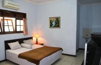 Hotel Nugraha Malang Malang - Deluxe Room Regular Plan