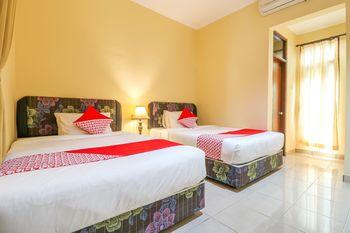 OYO 2280 Wisma Guntur II Bali - Standard Twin Room Last Minute