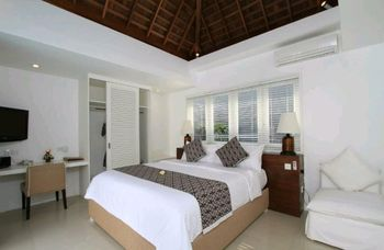 Collection O 20 Astana Kunti Seminyak Bali - Suite Double Regular Plan
