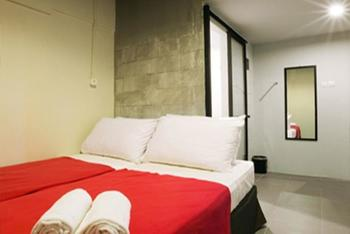 Maven Gunung Sahari Jakarta - Deluxe Room Only Regular Plan