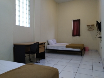 OYO 3499 J8 Hotel Jambi - Deluxe Family Room Promotion