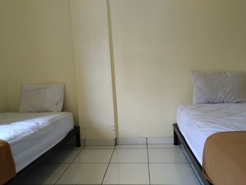 OYO 3499 J8 Hotel Jambi - Deluxe Twin Room Early Bird Deal
