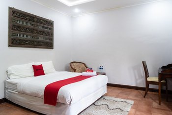 RedDoorz Plus near One Belpark Mall Cilandak Jakarta - RedDoorz Room 24 Hours Deal