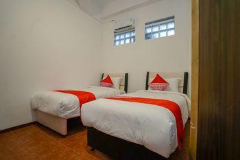 OYO 1844 Bravo Residence Pangkalpinang - Standard Twin Room Regular Plan