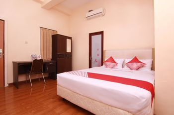 OYO 1501 Nick's Homestay 3 Surabaya - Standard Double Room Regular Plan