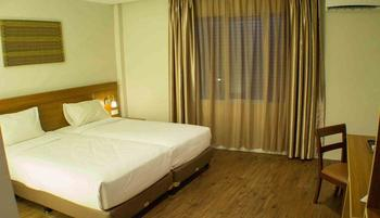 Megara Hotel by Azana Pekanbaru - Deluxe Twin  Regular Plan